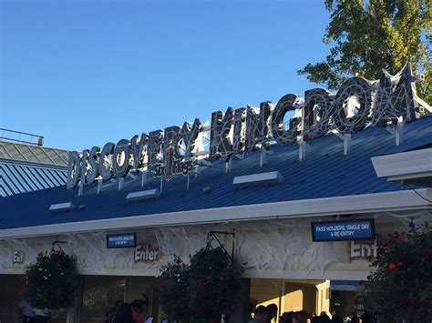 theme park vallejo ca theme park overload fright fest 2015 at six flags