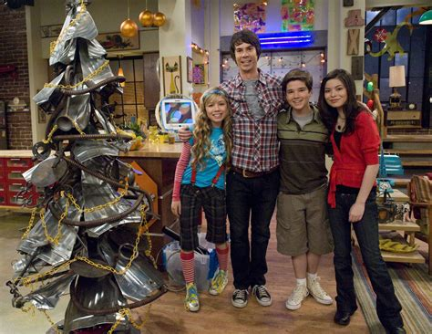 ichristmas icarly photo 33276177 fanpop