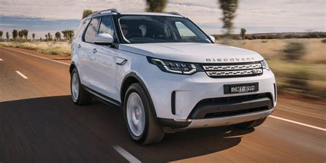 2017 Land Rover Discovery Pricing And Specs Photos 1 Of 9