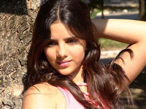 hispanic girls pretty latin girl by gauchocamba on deviantart