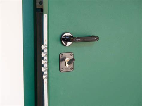 porte cantine porte blindate e sistemi di sicurezza serramenti di matteo