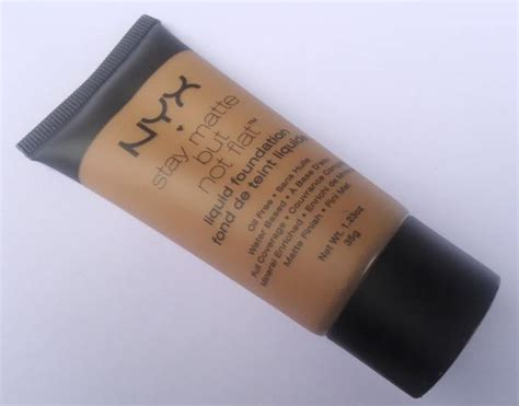 Review Dan Foundation Nyx nyx stay matte but not flat foundation review