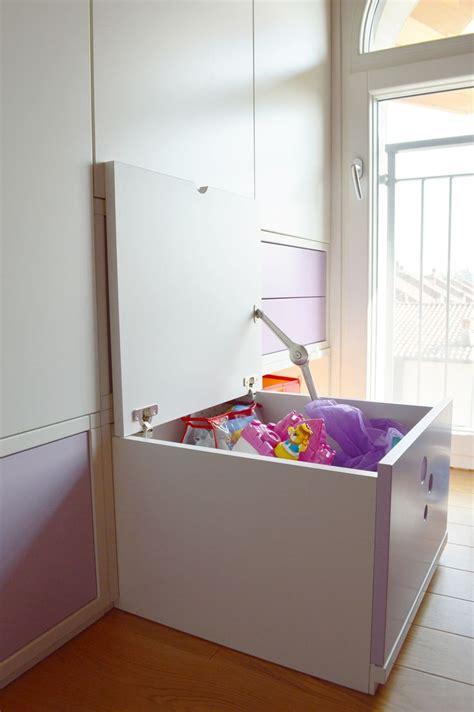 giochi l armadio di oltre 20 migliori idee su piccoli armadi su