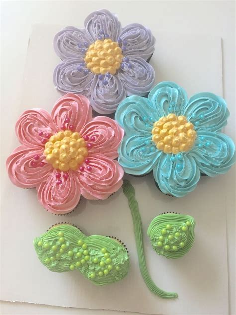 pull  cupcake flower cake cupcake decorating ideas pinterest pull  cupcakes