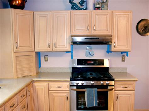 hgtv painting kitchen cabinets spray painting kitchen cabinets pictures ideas from hgtv hgtv