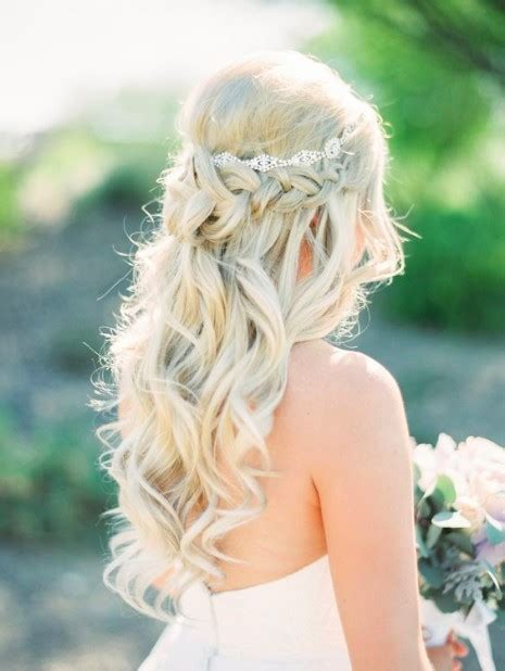 Outdoor Wedding Hairstyles For Brides by 30 Outdoor Wedding Hairstyles