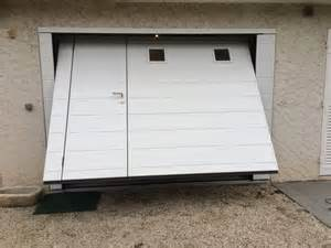 portes de garage basculantes avec portillon obasinc