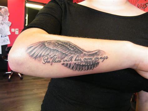 tattoo arm vleugel knuckledusters and pony s pagina 30 tattoo apeldoorn