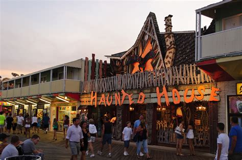 haunted house in maryland file ocean city md haunted house august 2009 jpg