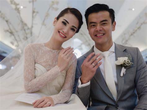 film romantis pernikahan mengintip foto foto romantis pernikahan aktor dion wiyoko