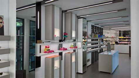arredamenti negozi di ottica wings progettazione e realizzazione negozi di ottica
