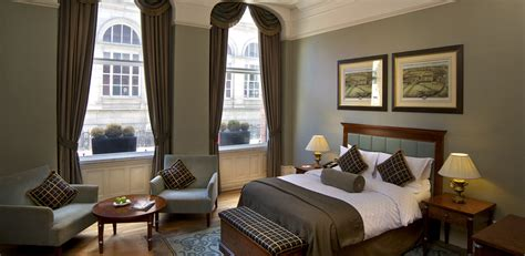 Executive Room by Executive Room Quebecs Hotel