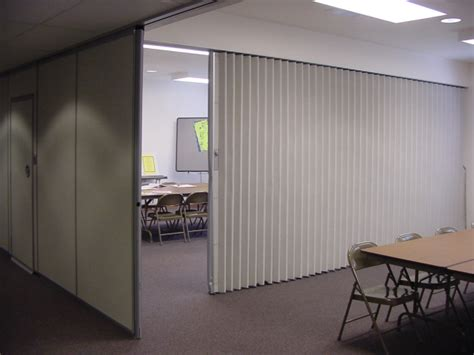 Accordion Room Divider Folding Partitions And Walls The Basics From Hufcor 174 The Global Leader Hufcor