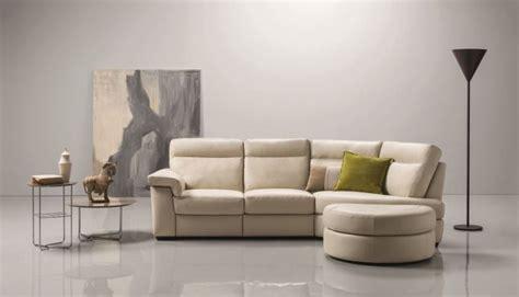 poltrone natuzzi catalogo divani e divani by natuzzi catalogo 2017 modelli e colori