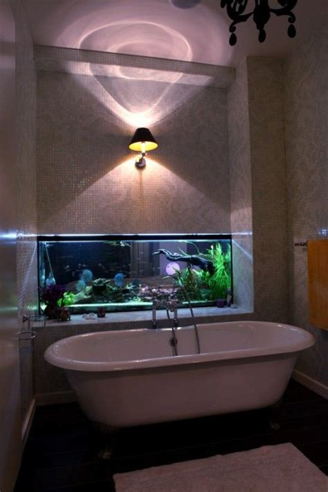 aquarium bathtub wow fish tank nice to look at while relaxing in the bath