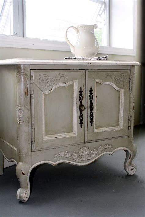 shabby chic end table shabby chic end table if its shabby chic i lie it to be