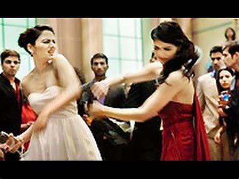 cat girl actress cat fight xpose actress zoya afroz slaps co actress
