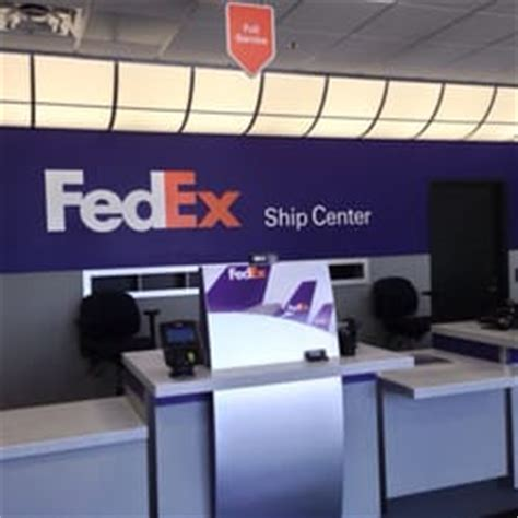 does fedex ship on fedex ship center 13 photos couriers 5000 hanson dr