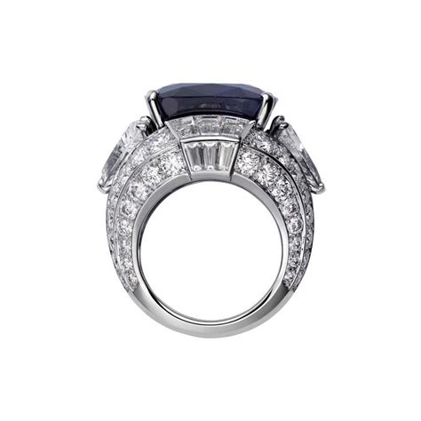 Big Sale Cartier 8071 Set biennale des antiquaires the big three majestic gemstones adorn the new cartier royal