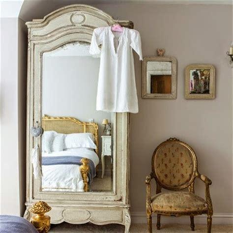 Cermin Rias model cermin kaca rias atau hias minimalis modern terbaru 2015