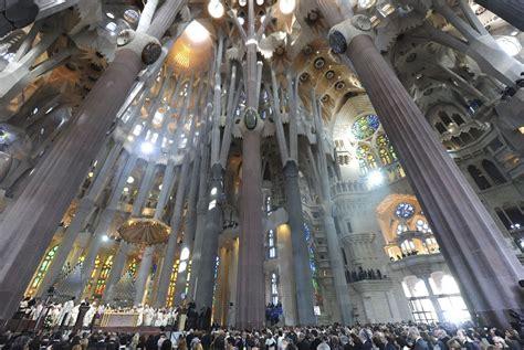 Interior Sagrada Familia by La Clase De Pl 193 Stica La Sagrada Familia