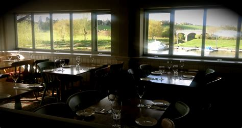 the boat house tewkesbury the boathouse tewkesburys finest riverside dining
