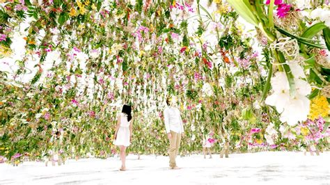 Flower Garden In Japan An Immersive Digitally Controlled Installation Of 2 300 Suspended Flowers By Japanese