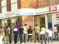 tesco bank in store tesco expands workforce for assault on banks daily mail