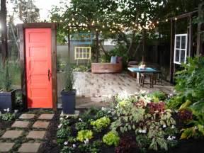 yard crashers backyard living room done abrahams - Backyard Crashers