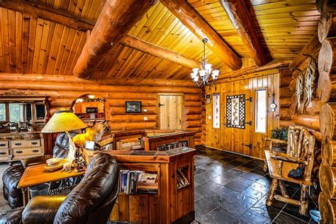 log home cabin  photo  pixabay