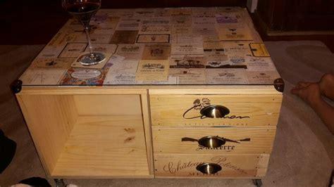 Table Avec Caisse De Vin by Table Basse Avec Caisse De Vin Et 233 Tiquettes De Vin
