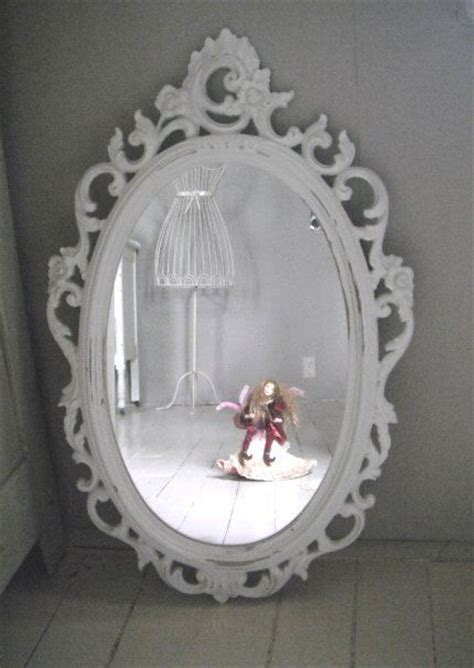 syroco vintage painted oval mirror in cottage white