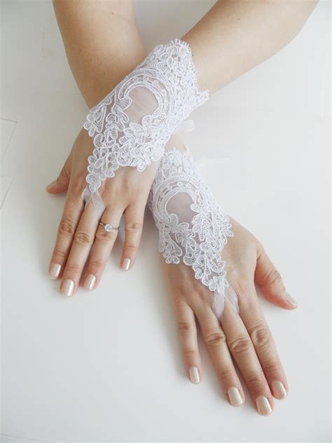 Lace Wedding Gloves bridal glove white lace gloves fingerless gloves cuff