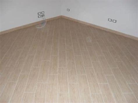 posa piastrelle in diagonale foto ristrutturazione di villa posa pavimento in