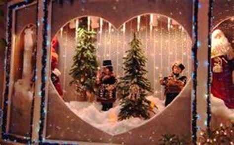 christmas window ideas for bay window 15 window d 233 cor ideas
