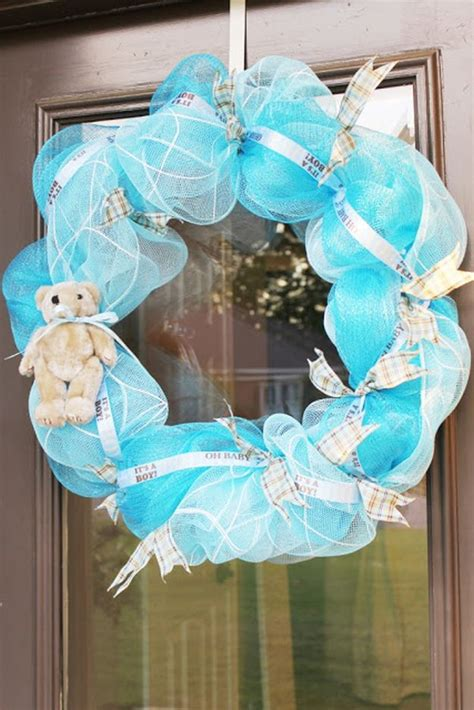 how to make mesh wreaths with two colors mesh wreath project diy projects craft ideas how to s