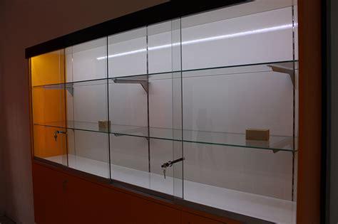 arredamento brianza arredamento negozio sigarette elettroniche monza brianza