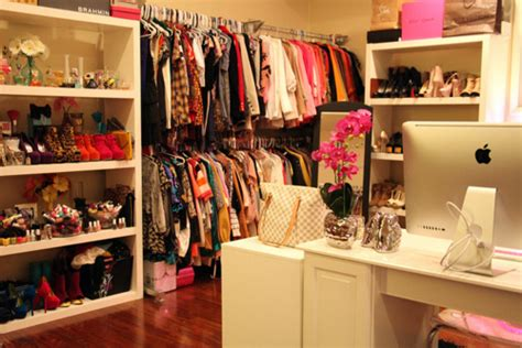 The Brand Closet by Louis Vuitton Apple Bedroom Image 773031 On Favim