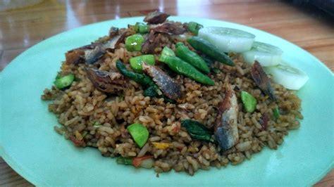youtube membuat nasi goreng enak cara membuat nasi goreng ikan asin pete pedas spesial
