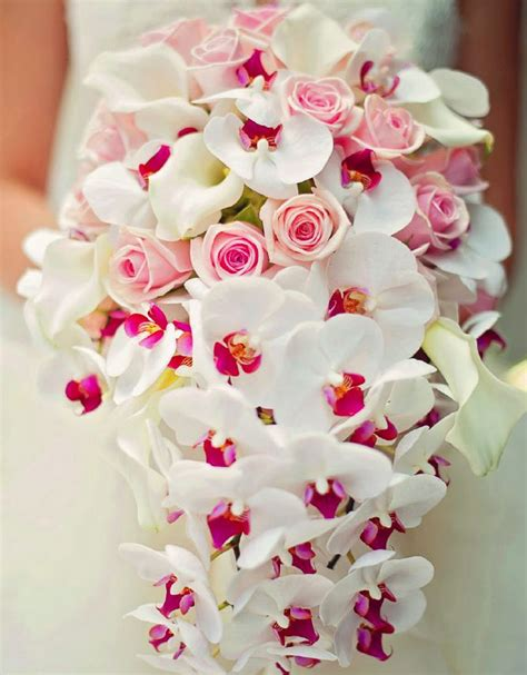 picture of stunning valentines day wedding bouquets 28
