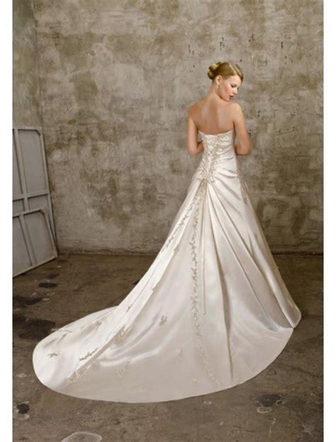 Hochzeitskleid Mit Schleppe hochzeitskleid mit schleppe