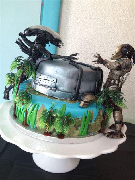 alien  predator cake  angela fiandaca cakes   angela fiandaca   alien cake