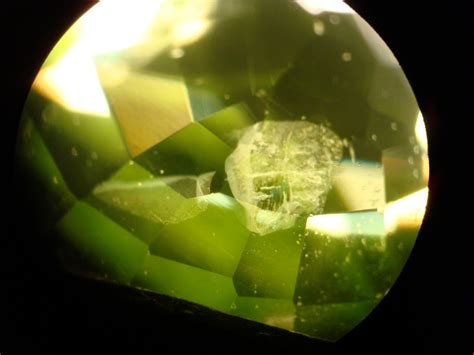 pad like inclusions in peridot learn about gemstones