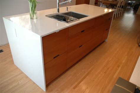 teakkitchencabinetskitchenmodernwithcherrywood