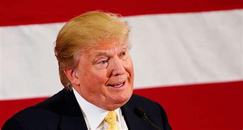 trump s trump insists new york daily news called him a clown
