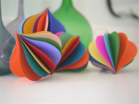 Paper Ornaments - pretty paper ornaments for your tree cool picks