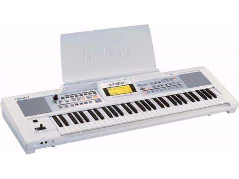 Keyboard Roland E09 Baru roland e09 61keys keyboard harare myclassifieds