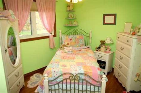 how to decorate a bedroom for girls decorating a girl s bedroom raftertales home