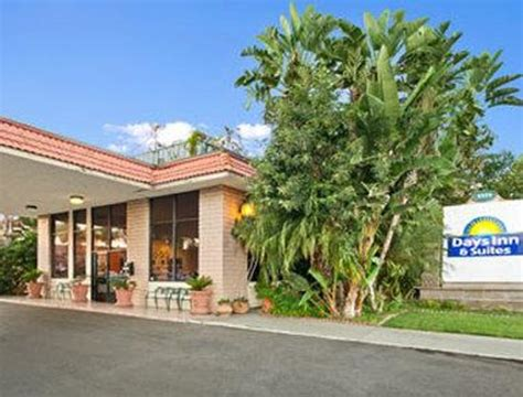 days inns locations exterior picture of days inn suites anaheim at