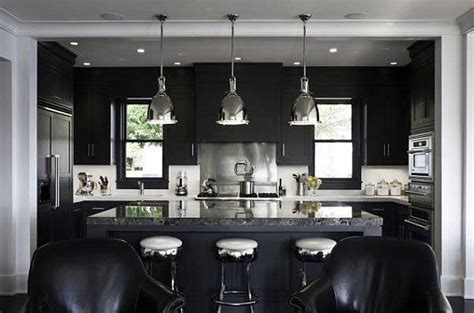 Black and White Kitchen Design with Modern Minimalist